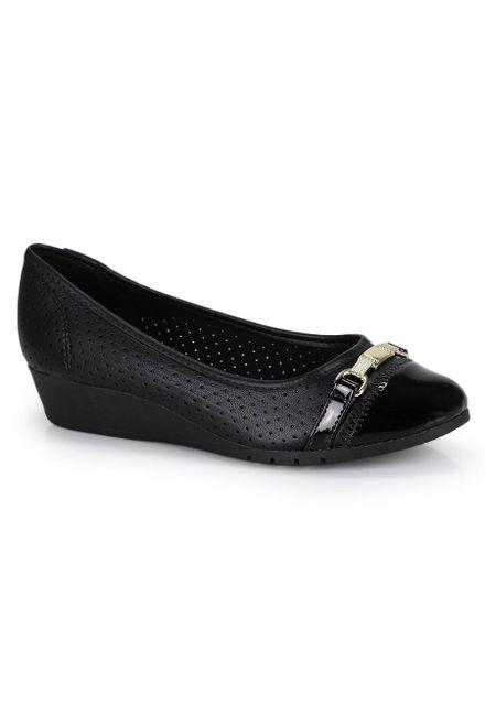 Sapato-Anabela-Moleca-Micro-Furos-Envernizado